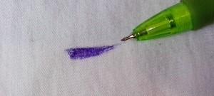 Jak vyčistit skvrnu od propisky, inkoustové tužky?