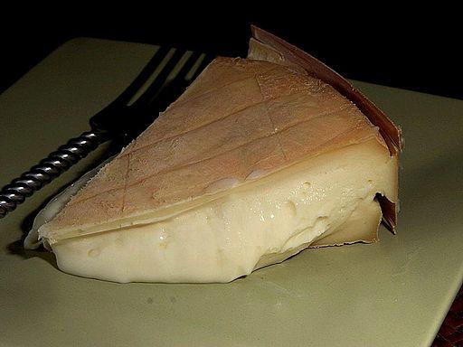 Jak vyčistit skvrny od sýrů?