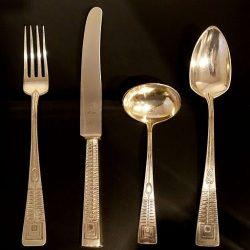 Jak čistit a pečovat o porcelán, stříbro i příbory?