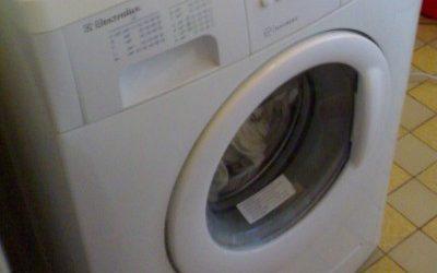 Jak vyčistit zápach a nečistoty z pračky?