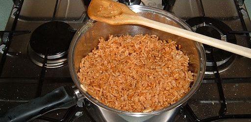 Jak vyčistit připáleniny z hrnců, pánví a nádobí?