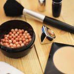 Jak vyčistit skvrny od make-up?