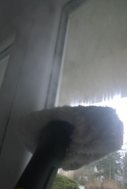 Čištění oken parním čističem Kärcher SC 1.020