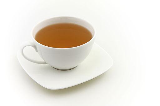 Skvrny od kávy a čaje z hrnků a šálků