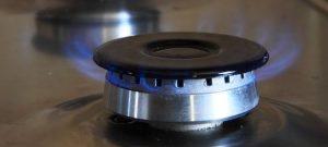 Jak vyčistit připáleniny a zaschlou mastnotu z trouby, sporáku nebo grilu?