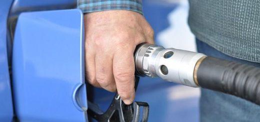 Jak vyčistit skvrnu od nafty?