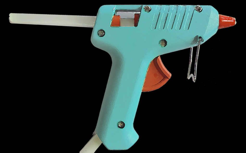 Jak odstranit z oděvu lepidlo z tavné pistole?