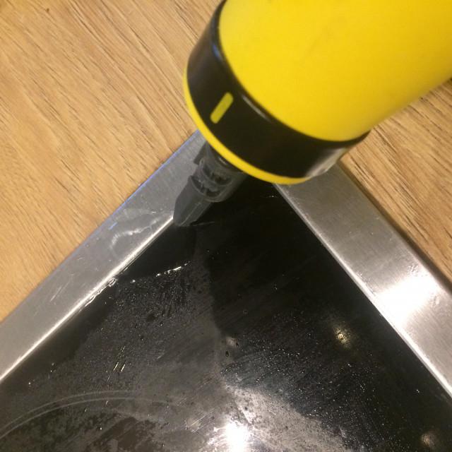 Parní čistič SilverCrest - čištění varné desky
