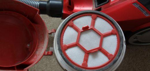 Jak vyčistit filtr u bezsáčkového vysavače?