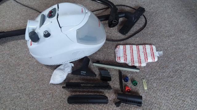 Parní čistič a vysavač Polti Vaporetto Lecoaspira FAV30 - stroj s příslušenstvím