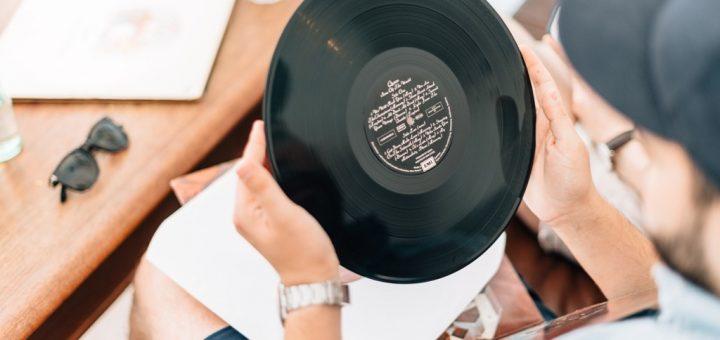 Jak vyčistit gramofonovou desku?