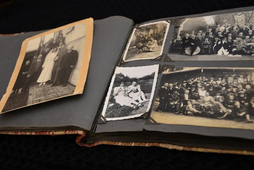 Jak vyčistit špinavé a zašle staré fotografie?