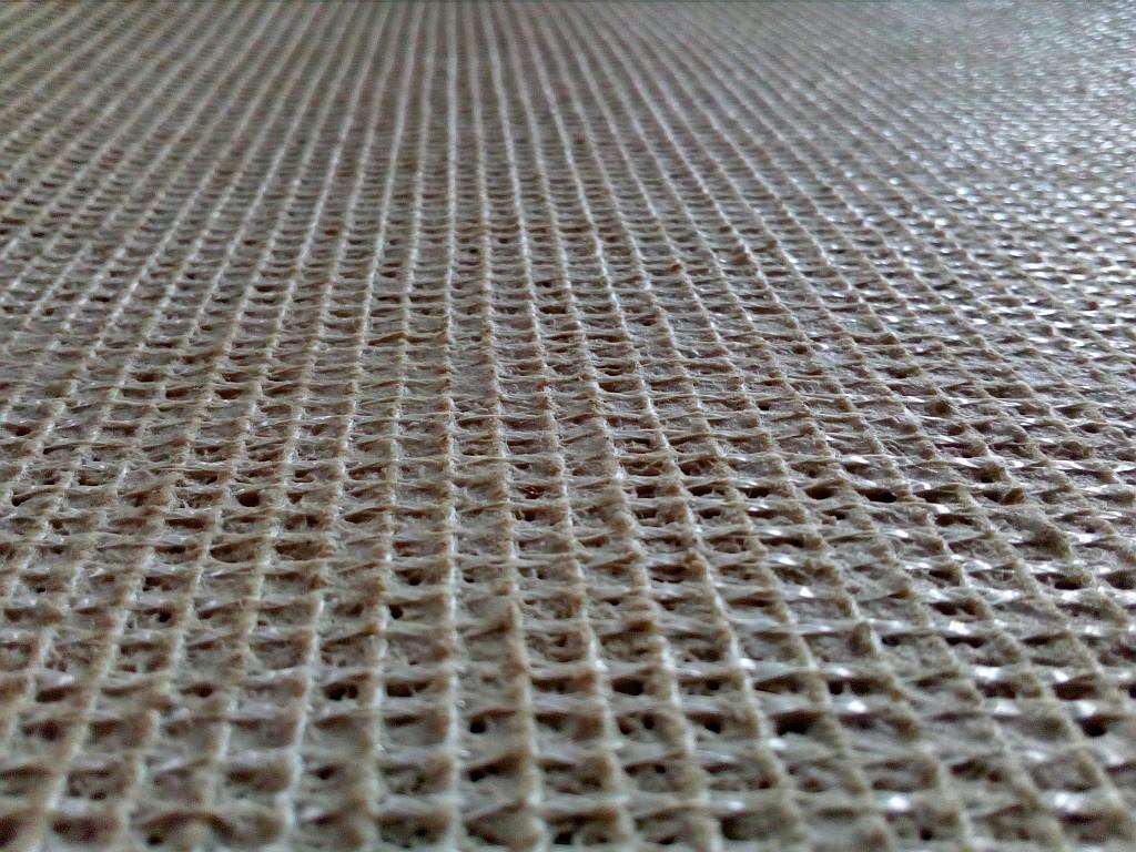 Podkladová vrstva koberce z jutové mřížky