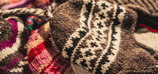 Jak prát pletené zimní čepice, šály a rukavice?