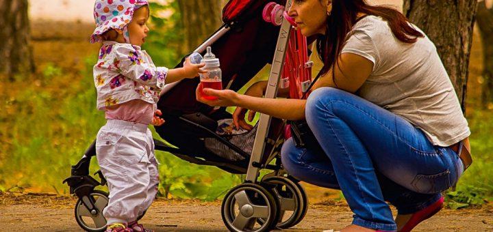 Jak vyčistit a vyprat látkové potahy dětských kočárků?