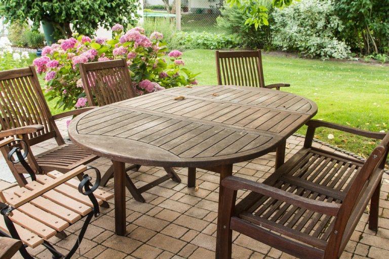 Jak vyčistit zahradní nábytek?