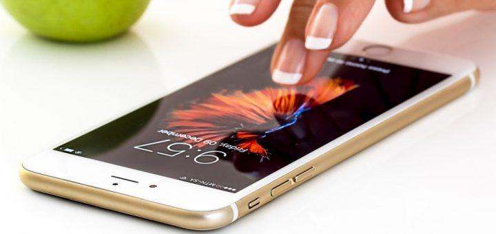 Jak vyčistit displej mobilu nebo tabletu?