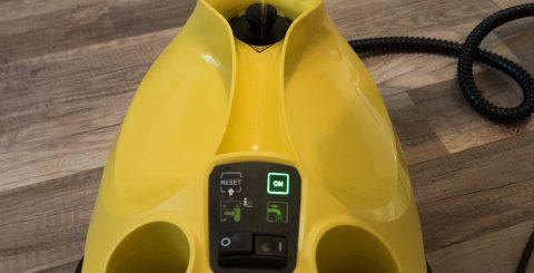 Dolévání vody do parního čističe Kärcher SC3 EasyFix